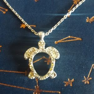 Avon Turtle necklace